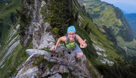 Freude über gemeisterte Kletterstelle am Weg zur Löffelspitze