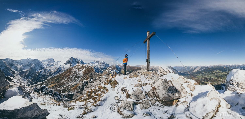 Ausblick Tschaggunser Mittagspitze Gipfelkreuz