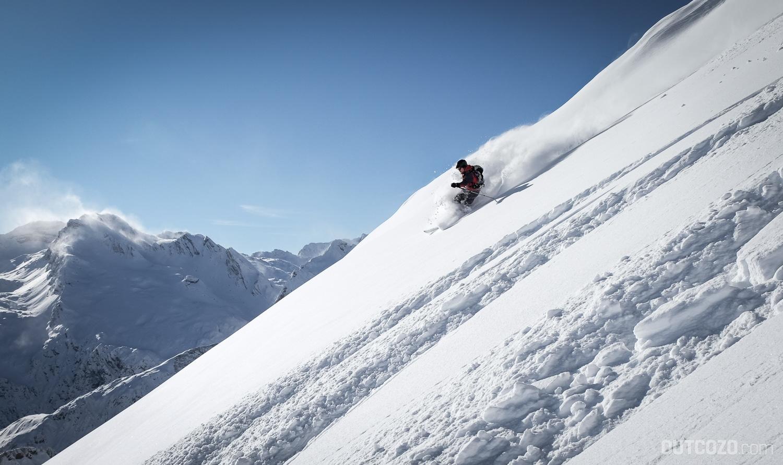 Tiefschneeabfahrt beim Skitouren