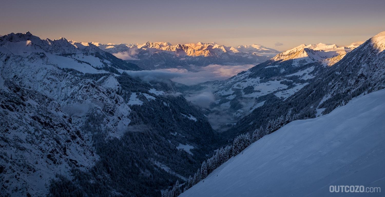 Alpenglühen über dem Großen Walsertal