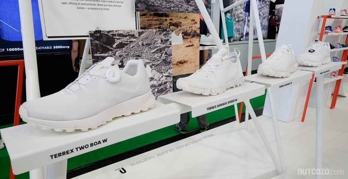 Weisse Trailrunning-Schuhe bei Adidas