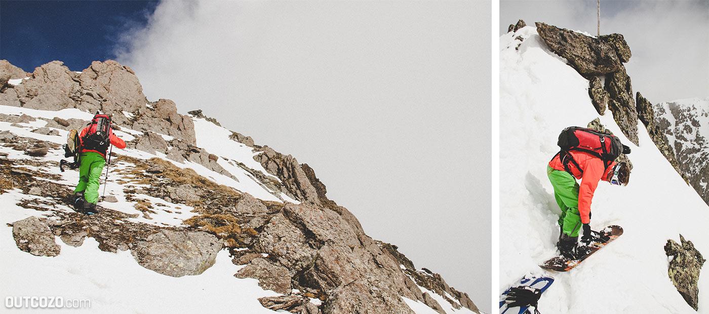 Aufstieg Splitboard ohne Schnee in die steile Rinne