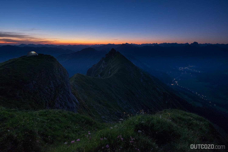 Morgendämmerung vor Sonnenaufgang auf der Kanisfluh