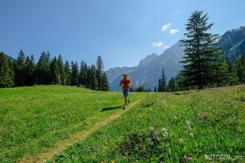 Trailrunning im Wald durch das Zalimtal zur Schesaplana